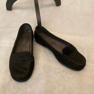 Aerosoles Flats Black Nu Day Calf Fur Size 7.5.